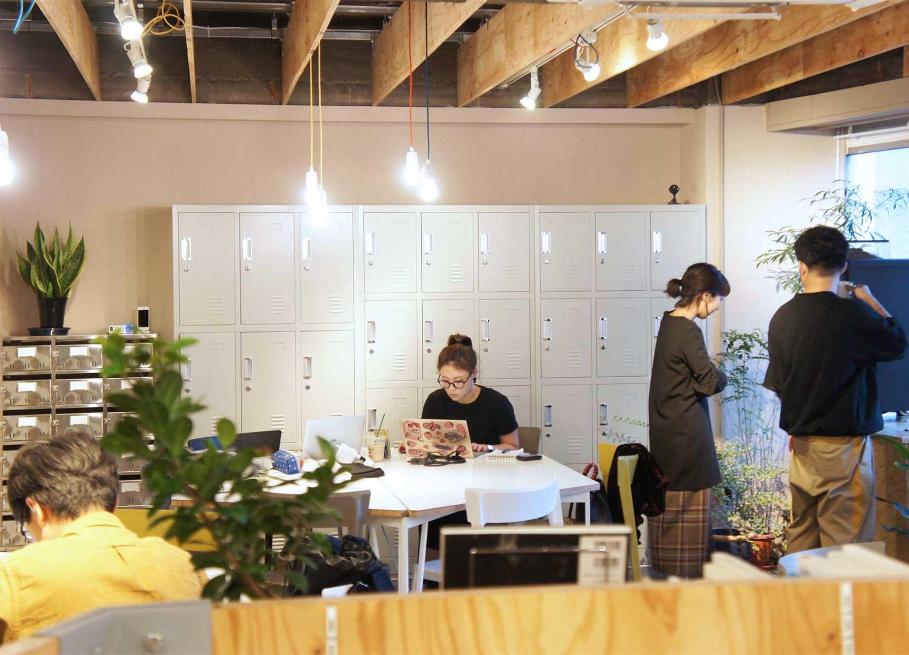 新宿・代々木 シェアオフィス x コワーキング | Connecting The Dots YOYOGI|4階共有席